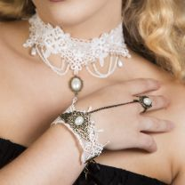 Daisy White lace pearl vintage bracelet with ring